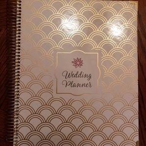 David's Bridal Gold Foil Wedding Planner